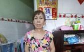 劉錦雲患有關節炎多年,如今左腿又骨折,正等待有錢動手術。