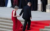 特朗普(右)再度訪英,特蕾莎·梅已含淚辭職。(圖源:VCG)