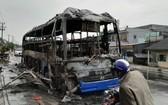 臥鋪客車僅遺留被燒焦的鐵框。(圖源:KT)
