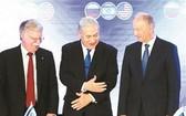 6月25日,(從左至右)美國總統國家安全事務助理約翰·博爾頓、以色列總理內塔尼亞胡和俄羅斯聯邦安全會議秘書帕特魯舍夫在耶路撒冷出席會晤。(圖源:新華社)