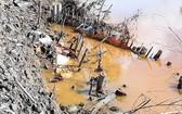 圖為河道泥土被擅自挖掘之處,導致河畔遭坍塌。(圖源:晉泰)