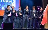 圖為我國參加2019年國際數學奧林匹克競賽的 6 名學生團隊。(圖源:教育與培訓部)