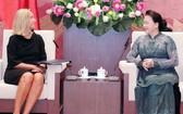 國會主席阮氏金銀接見歐盟委員會副主席。(圖源:林賢)