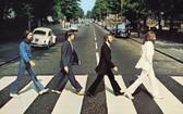 除了因為音樂本身具感染力外,4位成員走過倫敦阿比路錄音室外斑馬線的專輯封面更為不少人留下深刻印象。(圖源:互聯網)