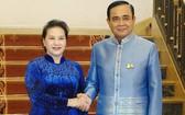 國會主席阮氏金銀(左)會見泰國總理巴育‧詹歐差。(圖源:VOV)