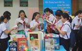 越南出版協會副主任黎黃:讓學生養成在學校的讀書習慣有助良好落實新普通教育計劃。(示意圖源:秋心)