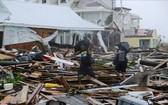 """當地時間9月4日,巴哈馬群島遭颶風""""多里安""""襲擊後,災區滿目瘡痍,成千上萬的民宅倒塌,斷壁殘垣、一片狼藉。(圖源:路透社)"""