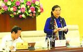 國會常務副主席從氏放(中)在會上發表講話。(圖源:越通社)