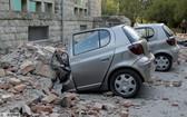 汽車被砸壞 。(圖源:互聯網)