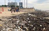 沿著頭頓海灘,從迎風角至天堂度假村海灘約10公里長的區域都充斥著垃圾。(圖源:互聯網)