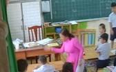 潘珠貞小學女教師暴力對待小學生事件引起輿論的憤怒。(圖源:視頻截圖)