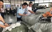 市海關機關檢查冒充越南原產地的商品。