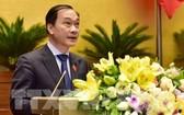 國會經濟委員會主任武鴻清在會上闡述《證券法》修訂法案。(圖源:越通社)