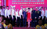海南聯友龍獅團成員向來賓致謝合照。