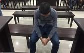 被告人阮文維在庭審過程中一直低著頭表現無限懊悔。(圖源:晉源)