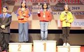組委會向女子快棋個人賽頒發獎項。(圖源:互聯網)