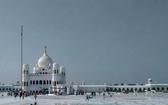 走廊連接巴基斯坦錫克教神廟與印度德拉巴巴納納克鎮。 (圖源:PTI Photo)
