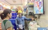 在颱風季節,市民須注意屋內用電安全問題。