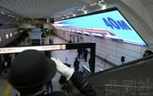 日本大阪地鐵禦堂筋線梅田站的電子顯示屏長達40米,被吉尼斯世界紀錄認證為世界上最大的地下LED顯示屏。(圖源:共同社)