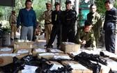 廣平省公安職能力量查獲的非法收藏鞭炮。(圖源:香江)