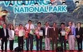 越南4個新東盟遺產公園證書頒發儀式。(圖源:朱國雄)