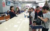 新張營業當天,有許多華人同胞前往交易。