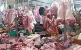 豬肉價格呈下降趨勢。(圖源:H.Linh)