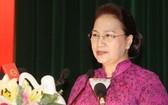 國會主席阮氏金銀在會上致詞。(圖源:英芳)