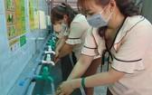 戴口罩、勤洗手是有效防範新型冠狀病毒的正確方法。