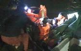 救護隊員們成功拯救受傷漁民並送上岸治療。(圖源:海尚)
