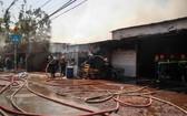 消防隊經半個多小時奮勇滅火後大火終於被撲滅。(圖源:互聯網)