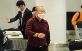 國家足球選手隊主教練朴恆緒於本月23日晚上在內牌國際機場入境越南。(圖源:互聯網)
