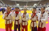 勇奪冠軍的 5名跆拳道選手。(圖源:互聯網)