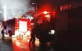消防隊聞訊後趕抵火警現場,迅速展開滅火和營救行動。(圖源:CTV)
