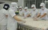 本市許多食品加工企業提高產量。