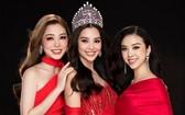 圖為 上屆越南小姐選美大賽的前三名佳麗。(圖源:VOV)