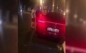 司機拒絕交警對其的酒測要求。(圖源:視頻截圖)