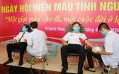 海軍學院幹部人員參加志願捐血活動。(圖源:春宇)