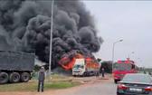 卡車失火燃燒現場。(圖源:張光南)