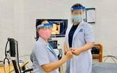 由阮清霖醫生製造的防口水面罩以給醫生們在抗擊疫情中使用。