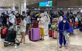 越竹航空臨時派航班將近200名越南公民從菲律賓安全接回國。(圖源:外交部)