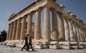 當地時間5月18日,希臘雅典,雅典衛城向公眾開放,吸引遊客參觀,當天希臘露天考古遺址和各類主題公園當天起恢復開放。(圖源:互聯網)