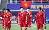 越南U23足球隊前鋒阮進靈(中)。(圖源:互聯網)