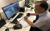 胡志明市台灣商會會長鄭文忠在線上分享資訊。