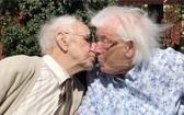 埃里克和南希‧金斯頓保持浪漫情懷。(圖源:互聯網)