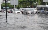 6月3日下午,大雨過後的平盛郡阮友景街積水氾濫成河一片汪洋。(圖源:廷理)