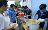 友情餐深受大學生歡迎。