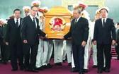 張和平副總理、市委書記阮善仁出席送別儀式。(圖源:VOV)