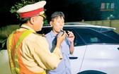 對酒駕司機將處以永久吊銷駕照。(示意圖源:互聯網)