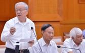 市委原常務副書記、市人民議會原主席范政直向草案提意見。